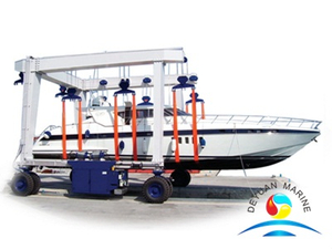 100 Ton Mobile Yacht Hoisting Crane And Boat Lifting Crane