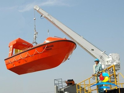 14KN-21KN Single Arm Slewing Davit For Liferaft And Rescue Boat With CCS Certificate